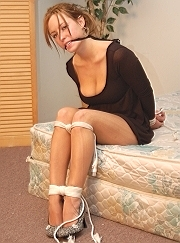 Bio page of Lana model